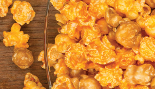 Cheddar and Caramel Popcorn - 1 gallon resealable bag (16oz)