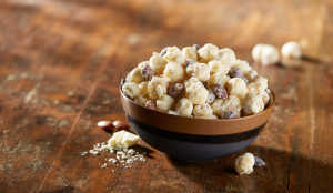 White Gold White Fudge Popcorn w/Almonds - 1 gallon resealable bag (24oz)