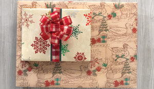 DECOY CHRISTMAS GIFT WRAP